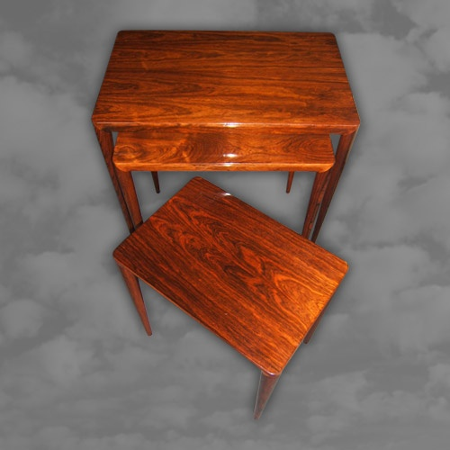 DANISH. A superb quality rosewood nest of three tables