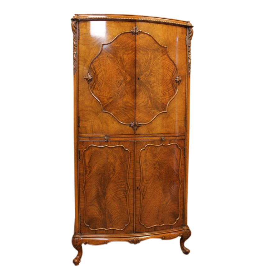 Quality Walnut Serpentine Shaped Cocktail Cabinet