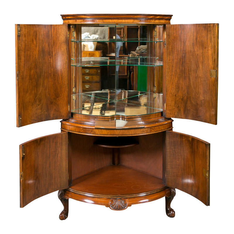 A Quality Corner Cocktail Cabinet