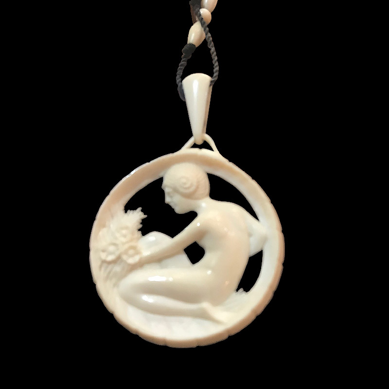 Stunning Carved Ivory Art Deco Necklace