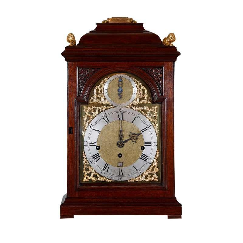 GEORGIAN MAHOGANY BRACKET CLOCK